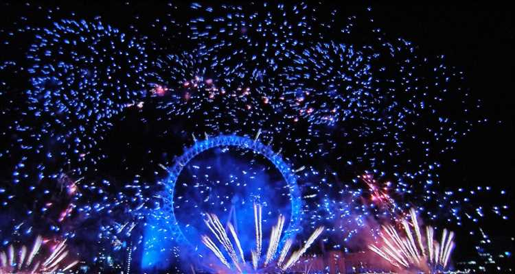 Images new years eve fireworks london 2020 ticket area