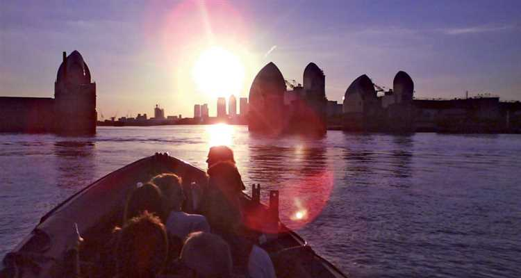 London Rib Voyages - Thames Barrier web 1