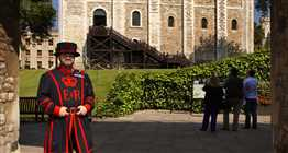 Tower of London & Traditional Cream Tea at New Armouries Café